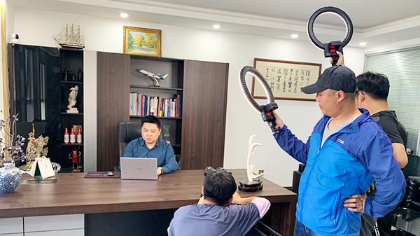 佳百特新材料总经理接受青岛科技大学专访